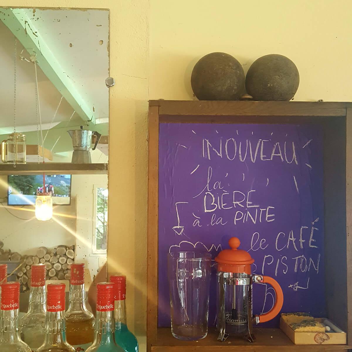 boissons locales : bière, café