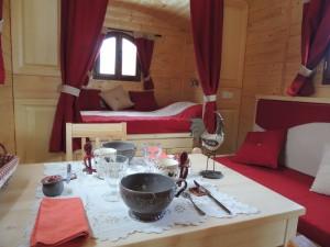 Nuit en roulotte en Ardèche - Gypsy caravan
